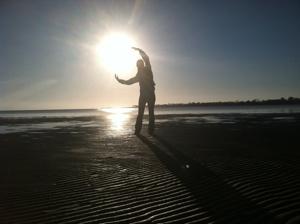holding-sun