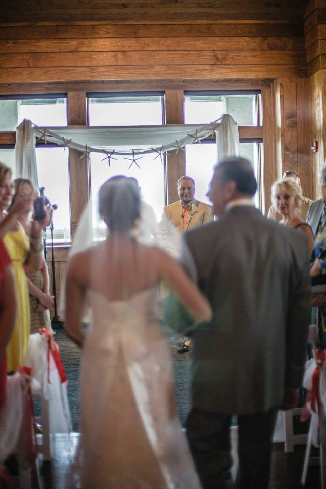 first-look-jenettes-pier-wedding